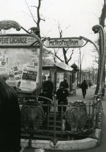 Las entradas de las estaciones de metro de París son una de las atracciones turísticas de la ciudad.