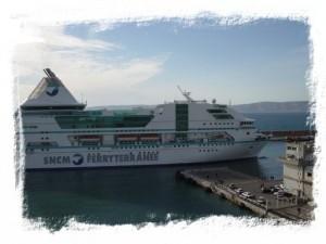 Un Ferry de la SNCM en el puerto de Marsella