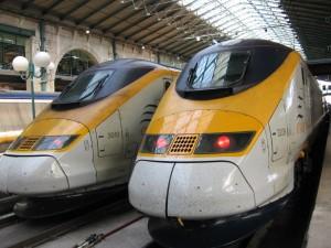Dos eurostar en la estación del norte de París. En tres horas estarán en Londres.