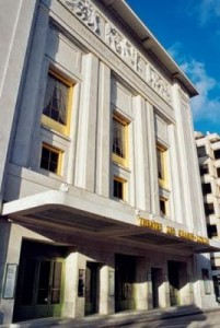 El Teatro des Champs Elysees en la prestigiosa calle Montaigne