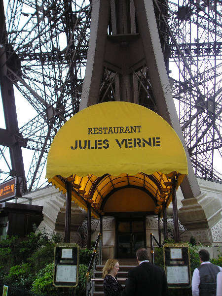 D nde comer en la torre eiffel gu a blog francia - Restaurante julio verne ...