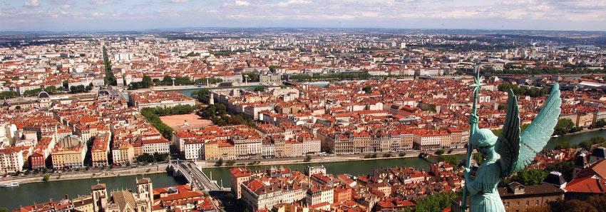 Panorama del centro de Lyon, cuyo casco histórico forma parte del patrimonio de la Humanidad e la UNESCO. SIn embargo, Lyon también es una ciudad de arte contemporáneo.