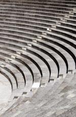 Gradas del Teatro Romano de Orange, el mejor conservado de Europa