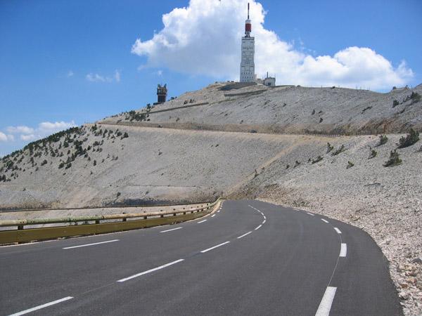Una vista típica en plena ascensión del Mont Ventoux