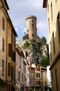 Una de las torres del castillo medieval de Foix, la capital del departamento