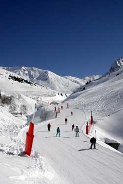 Esquí en los Pirineos. Información y estaciones