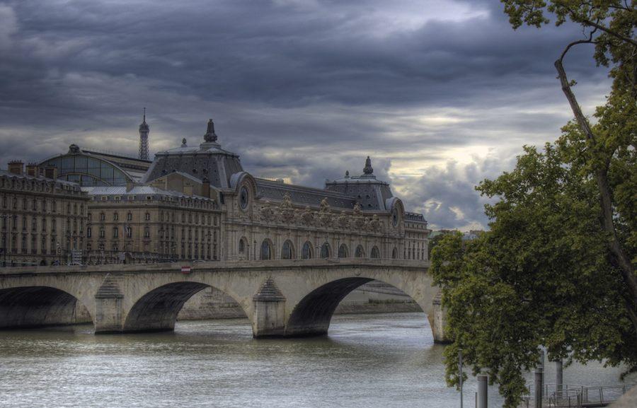 Magnífica vista del Museo de Orsay desde el río Sena. Foto flickr de jpguk.