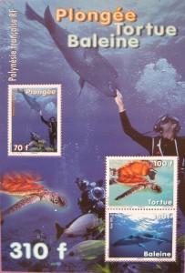 Los atolones coralinos son uno de los atractivos de la Polinesia francesa, lo mismo que la fauna. Esta hoja reciente lo destaca todo con relive y colorido.