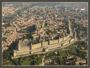 Vista aérea donde se contempla con claridad la organización de la Cité y de la Bastide de St Louis al fondo
