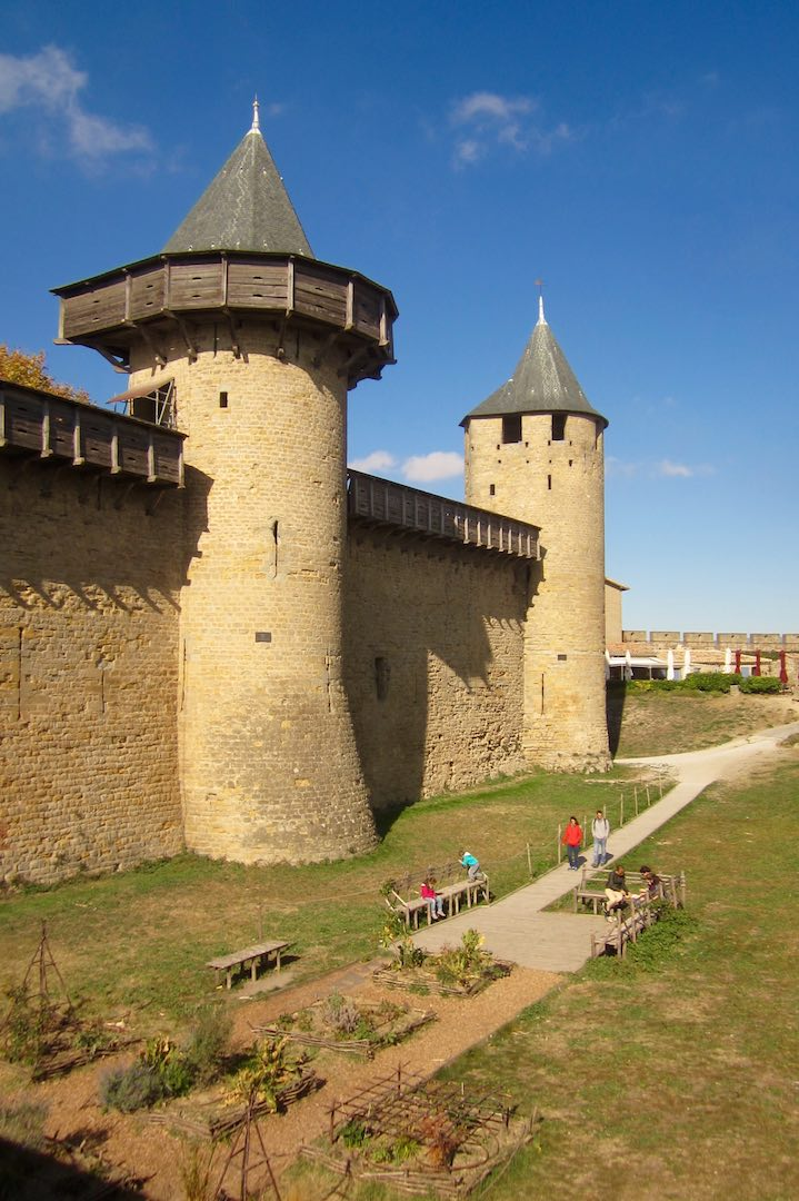 A la entrada de las murallas. ©M. Calvo.