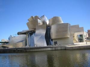 El Museo Guggenhein de Bilbao, modelo de éxito artístico y económico que pretenden seguir otras ciudades europeas, como Metz con su Centro Pompidou