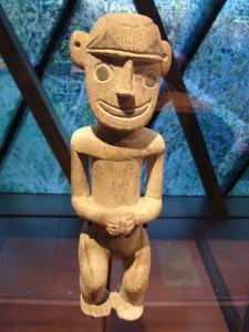 Estatuilla procedente de Nueva Irlanda en Papua Nueva Guinea.