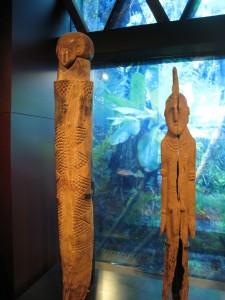 Esculturas africanas de madera, de la galeria de las representación del hombre.
