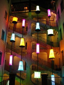 Un ejemplo de las traboules, escaleras adosadas a los edificios que permiten salvar el desnivel que existe entre algunas calles lionesas.