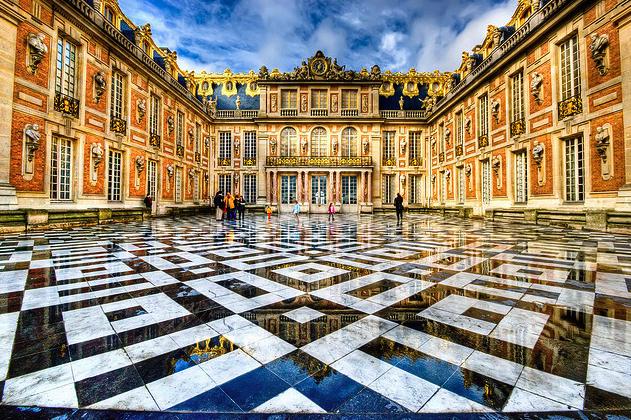 Patio del Palacio de Versalles