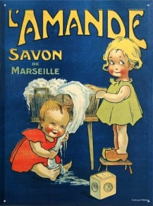 Viejos carteles de jabón de Marsella, que hacían furor en el siglo XIX y que hoy podemos encontrar en los bouquinistes de París, por ejemplo.