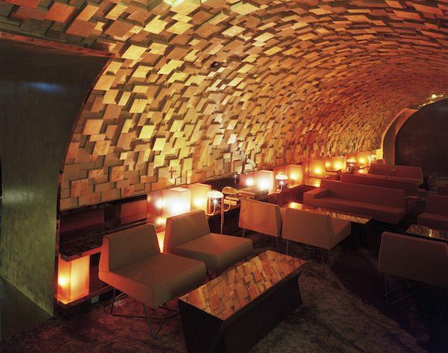 Silencio, David Lynch inaugura su club privado en París