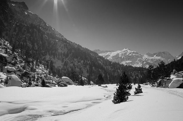 Ya llega la temporada de nieve a los Pirineos, a los Alpes, el Macizo Central, Los Vosgos, Jura...¡Francia se tiñe de blanco!
