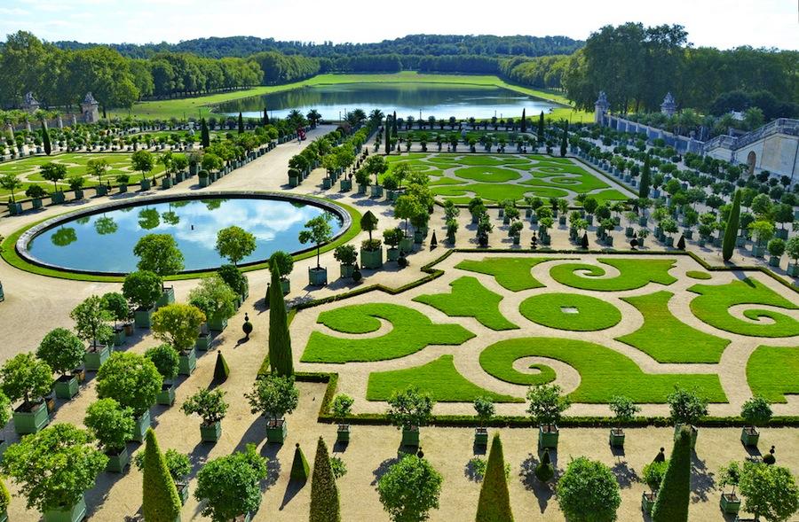Los magníficos encajes de los parterres diseñados por le Nôtre, la simetría y la perspectiva, tan imporantes en los jardines de le Nôtre. foto de Yvon from Otawa.