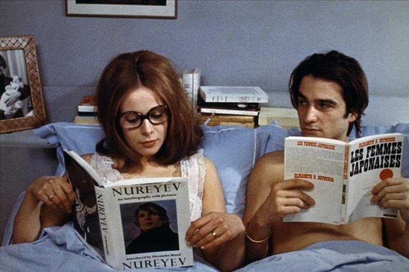 """Claude Jade y Jean Pierre Léaud - constante en los filmes de Truffaut -, en """"Domicile conjugal"""", 1970. Fotografía Pierre Zucca © Succession Pierre Zucca."""